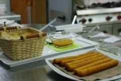crostini e crocchette ai ricci